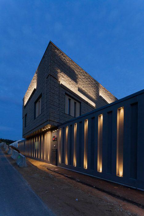 atelier d architecture 3bm3 completes concrete tax haven for artworks in luxembourg decor 10. Black Bedroom Furniture Sets. Home Design Ideas