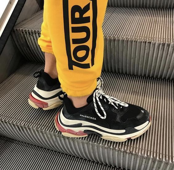 músico Hombre rico Canciones infantiles  For sale Cheap Balenciaga Triple S Trainers Black / Red sneakers online  #sneakers #fashion #shoes #sport #men #… | Sneakers online, Balenciaga  shoes, Red sneakers