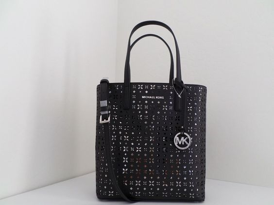 NWT AUTHENTIC MICHAEL KORS HAYLEY MEDIUM FLORAL PERFORATED N/S TOP ZIP TOTE-$268 https://t.co/O9Wb6QnJxW https://t.co/4ruE3QB66Y