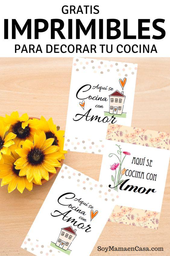 Lindo set para imprimir con el mensaje: Aquí se Cocina con Amor. Imprimibles gratis
