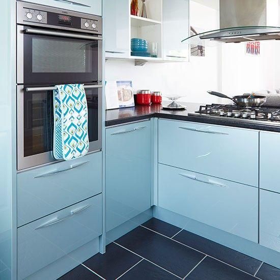 Küchen Küchenideen Küchengeräte Wohnideen Möbel Dekoration Decoration Living Idea Interiors home kitchen - L-förmige Küche mit blauen Schränken