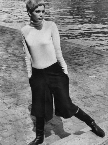 anytime http://www.nomad-chic.com/fisherman-pants-culottes-wide-trousers-baggy-shorts-from-runway-to-street-style-how-to-wear-where-to-wear.html