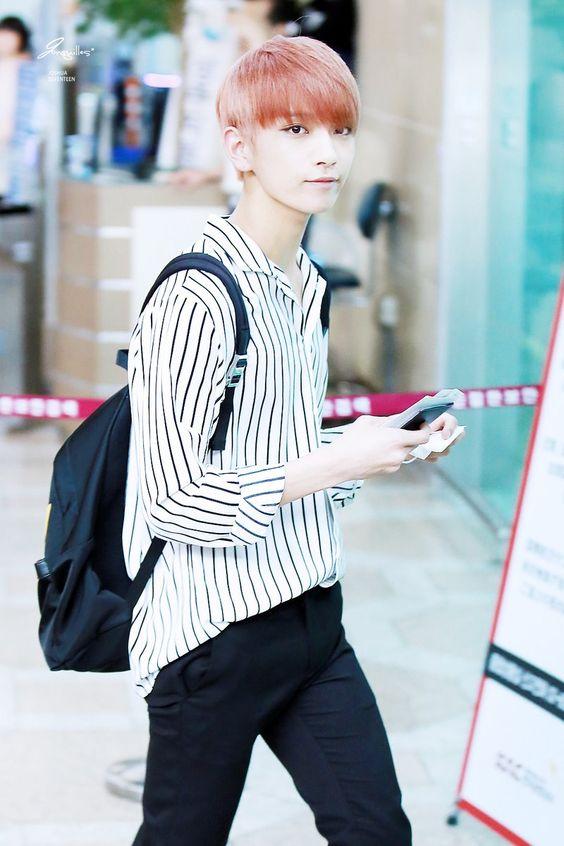 [PIC/HQ] 160804 Gimpo Airport - #Seventeen Joshua #세븐틴 #아주NICE #조슈아 [© Jonquilles]