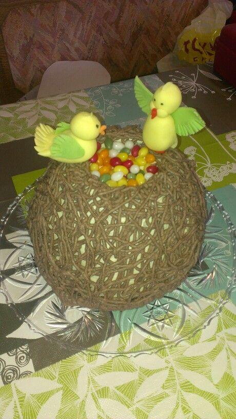 Vogelnest mit Marzipanbuttercreme