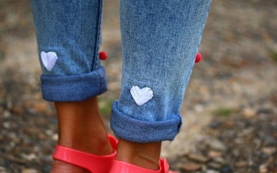 Coeurs brodés blancs