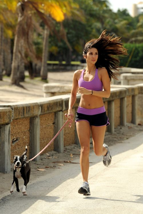 16 Tips that Might Save you Someday Self Defense-running with hair down