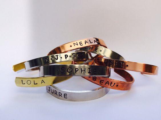 Gepersonaliseerde armbanden! Leuk idee als kerstcadeautje  www.breekbaar.eu