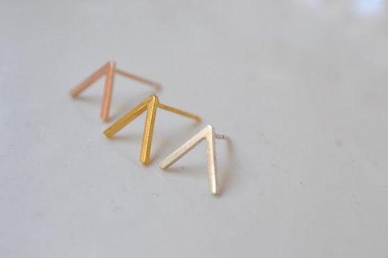 Peak Berg Nieten. geometrische Ohrringe von LUNATICART auf Etsy