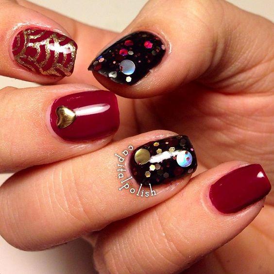 awesome nail art #nail #unhas #unha #nails #unhasdecoradas #nailart #gorgeous #fashion #stylish #lindo #cool #cute #fofo #chic #red #vermelho #preto #black #dourado #gold
