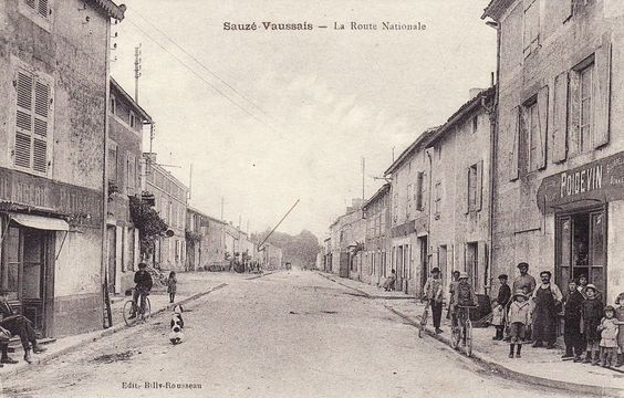 Sauzé-Vaussais - La Route Nationale
