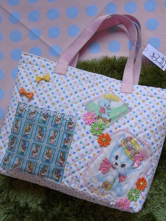 カラフルドットのキルティング生地にネコちゃんやくまちゃん、ケミカルレースなどがついたかわいいバッグです。うさちゃんのところはポケットになっています。 裏地はパ...|ハンドメイド、手作り、手仕事品の通販・販売・購入ならCreema。