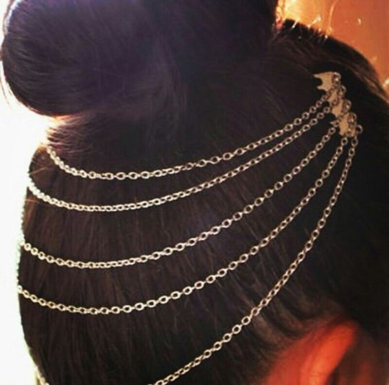 Place this under your bun or eve over your ponytail for an exotic jewelled up look =)