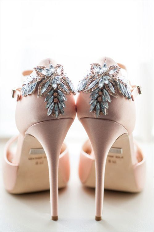Everythingsparklywhite Badgley Mischka S Ping For Shoes Pinterest High Heel And Shoe