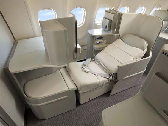 Ua 777 200 First Class Unveils New Flat Bed Business