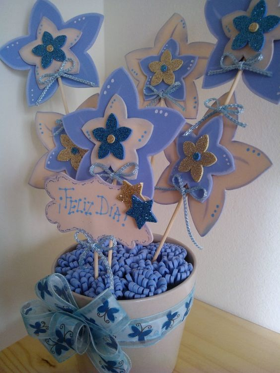 Maceta decorada con flores en goma eva azul y crudo - Goma eva decorada ...
