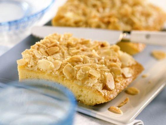 Butterkuchen mit Mandeln ist ein Rezept mit frischen Zutaten aus der Kategorie Blechkuchen. Probieren Sie dieses und weitere Rezepte von EAT SMARTER!