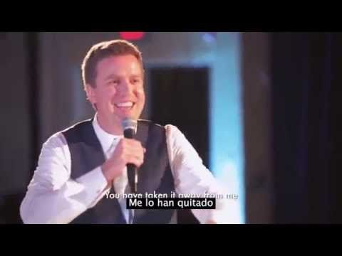 Durante el discurso de su matrimonio, el novio dio la sorpresa más épica que verás - YouTube