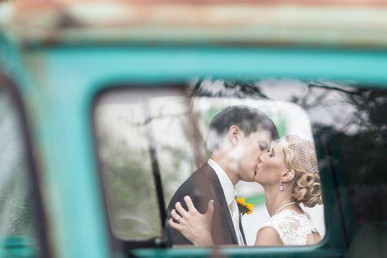 #austinweddingphotographer #collegestationweddingphotography #7FRanch #VintageCarWeddingPhoto #VintageWeddingPhotography