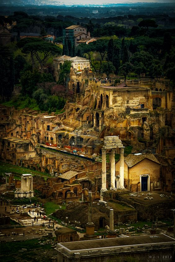 When I went to Rome I knew my way around as if I'd been there before. Perhaps in a dream?