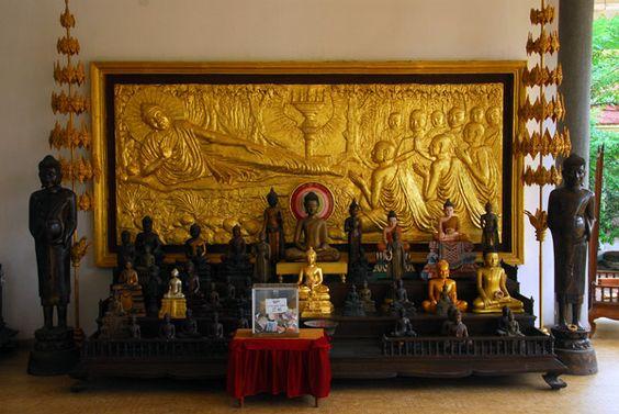 Tượng Phật ở đồi Mondop