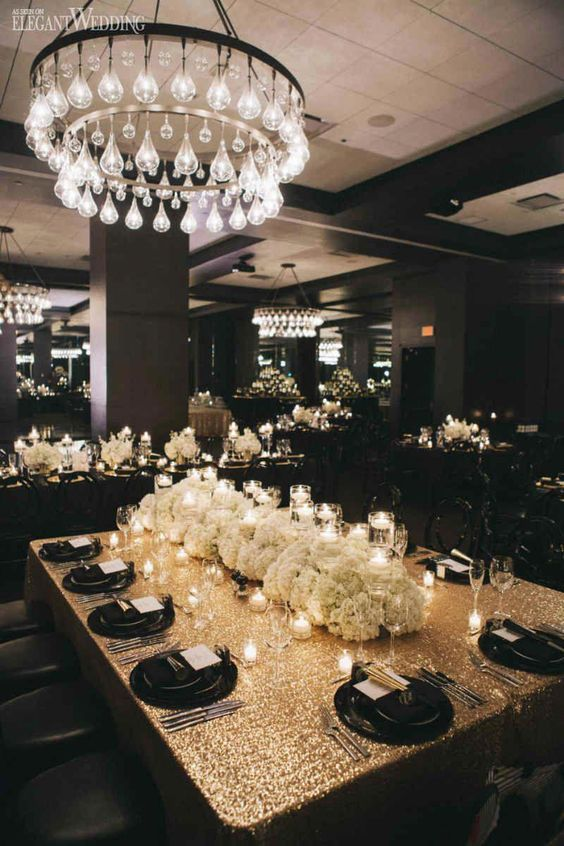 Stunning Black and Gold Theme Ideas to Use in Your Wedding, e6db33e20d22882269c158550a1a9063