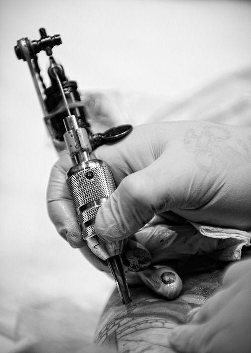 Tattoo Machine Tattoo Machine Tattoo Tattoo Machine Tattoo Machine Drawing Tattoo Machine Design Tatt In 2020 Vintage Tattoo Tattoo Machine Body Art Tattoos