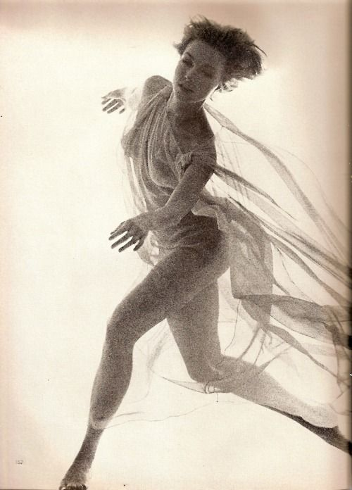 Julie Newmar, 1962