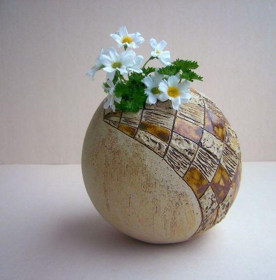 """Ostereier - Osterei """"Caro"""" ,Vase aus Keramik - ein Designerstück von beckkeramik bei DaWanda"""