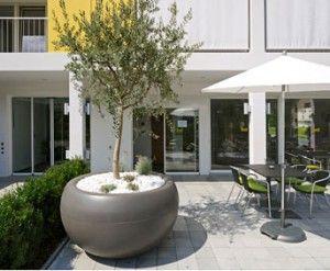 Grote bloembakken voor buiten google zoeken tuin pinterest veranda en planters - Decoratie jardin terras ...