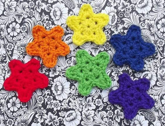 6 Crochet Rainbow Star Appliques blocked by CraftCoalition on Etsy, $4.50