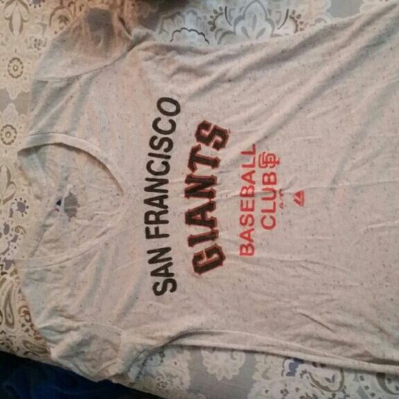 S.f Giants shirt top No flaws . majestic Tops Tees - Short Sleeve