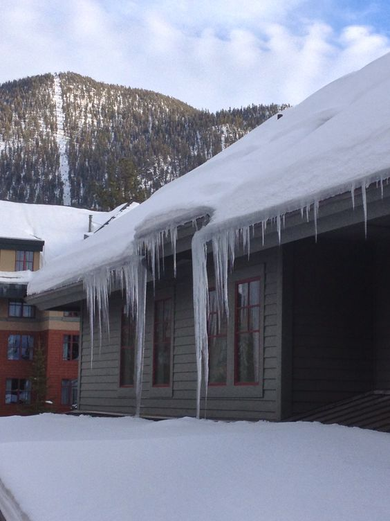 Icicles, Heavenly Village, South Lake Tahoe