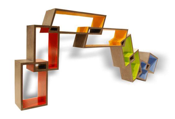 Philippe Tissot a designé pour l'atelier Taporo une console en béton appelée Obsession. Ce qui est intéressant avec cette console c'est l'aspect visuel qui donne une impression d'instabilité. Chaque pièce est fabriquée sur demande et sur mesure.