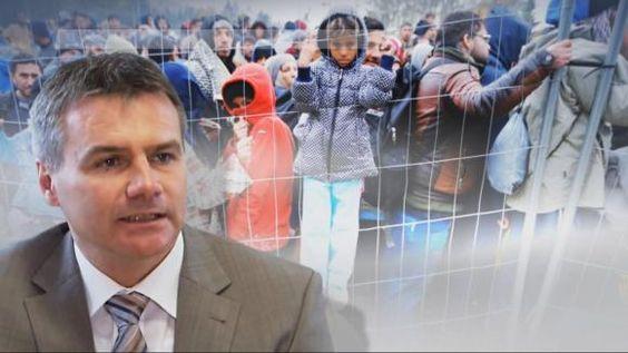 Flüchtlingskrise: Landrat schickt Merkel Bus voller Flüchtlinge - DIE WELT mobil