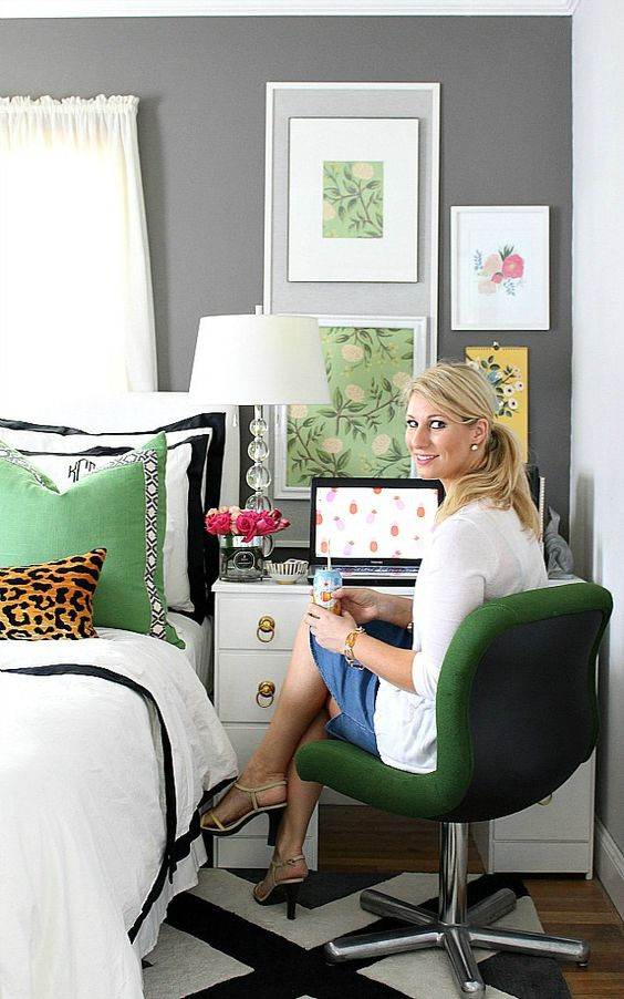 Diy Idea Makeover An Old Writing Desk With Paint And New