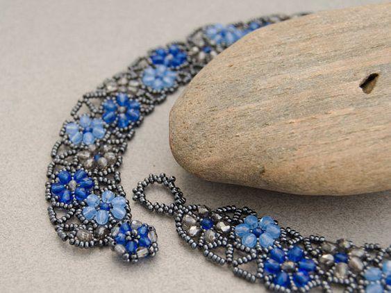 Collier cordon facilement bleu bavoir collier par TheCanaryBlossom