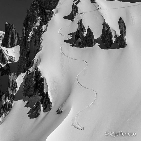 @freeskiermagazine -  Is this you? Photographer @JeffCricco happened to catch a random skier arching first tracks down this face in the Las Leñas, Argentina, backcountry a few weeks ago. ============================================== Not enough time/money to do what you love?... earn anywhere income!….link in @indiewealth bio ==============================================