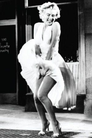 Hollywood é um lugar onde te pagam mil dólares por um beijo e cinqüenta centavos por sua alma. Marilyn Monroe