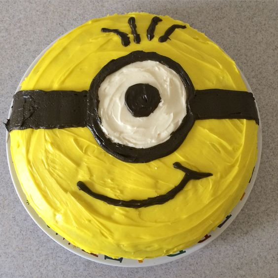 Minions, Minion cakes and Black white on Pinterest