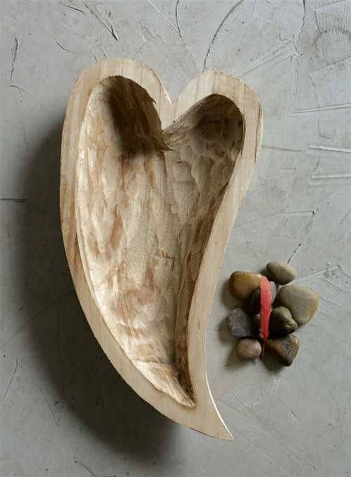 Decorative Hand Carved Paulownia Wood Heart Shaped Bowl Handcrafted Out Of Beautiful Paulownia Wood This Stunning Heart Shaped Bowls Wood Hearts Wood Decor