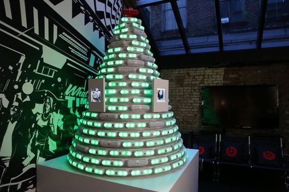 The Beats Pill Christmas Tree Responds to Twitter and Instagram #christmas trendhunter.com