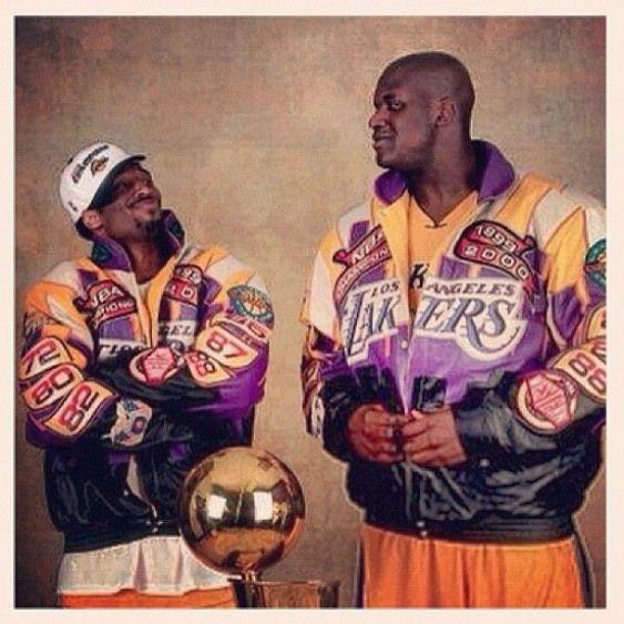 Benballer S Photo Throwbackthursday 2000 Nba Champs Lakers Kobe Shaq We Were Unfadable Lakeshow Look At Shaq And Kobe Kobe Bryant Pictures Lakers Kobe