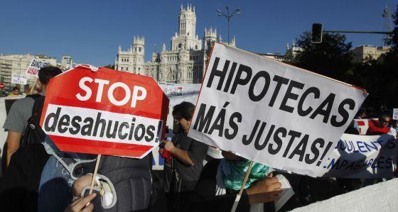 Los jueces denuncian los abusos del sistema legal de desahucios | Política | EL PAÍS