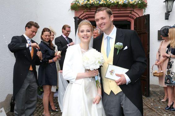 Pin for Later: Prinzessin Franziska hat mit diesem durchsichtigen Brautkleid einiges riskiert