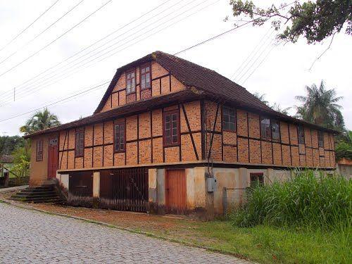 Blumenau (SC) - Brasil - casarão em estilo enxaimel