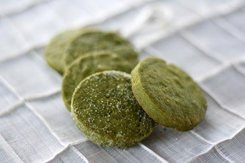 Bahan - Bahan Kue Kering Green Tea :     150 gr mentega  125 gr…