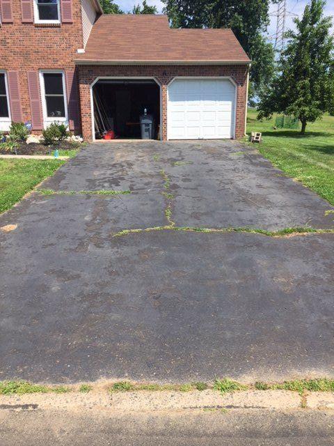 How To Fill Driveway Cracks Driveway Repair Asphalt Driveway Driveway