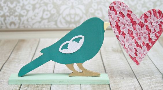 """These """"love""""ly birds are great for party, wedding, or home decor! You can see my full tutorial HERE at the Darice blog."""