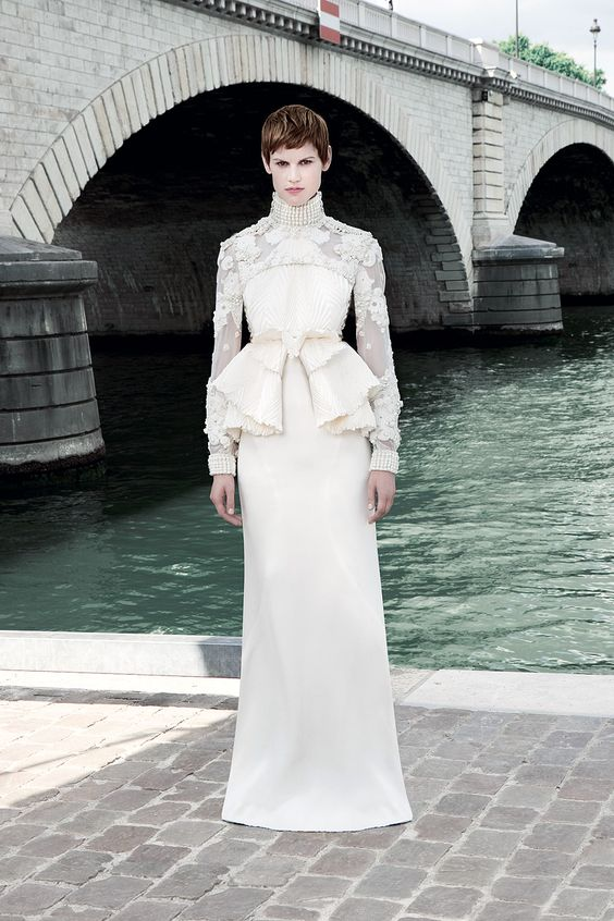 Givenchy Fall 2011 Couture - Review - Fashion Week - Runway, Fashion Shows and Collections - Vogue - Vogue: