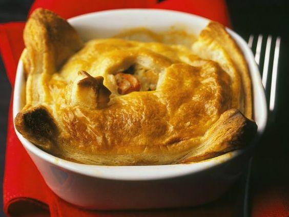 Chicken Pot Pie ist ein Rezept mit frischen Zutaten aus der Kategorie Hähnchen. Probieren Sie dieses und weitere Rezepte von EAT SMARTER!